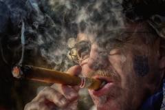 3_272_zigarrenmann